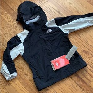 North Face Hyvent girls waterproof shell, YXS, NWT